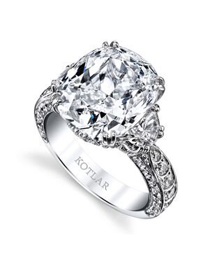 Platinum Jewelry Glamorous Cushion Cut Engagement Ring