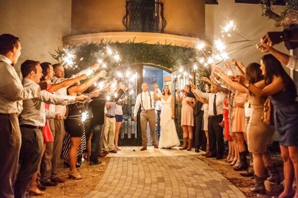 529e1321 ae30 43af aefe 24a8cd7a6a69~sc 604.402 - car barn georgetown wedding