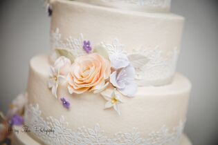 The white flower cake shoppe beachwood oh crave mightylinksfo Image collections