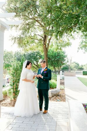 Classic Couple with Half-Sleeved Dress, Veil and Green Suit