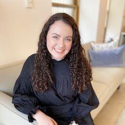 sarah hanlon assistant editor the knot