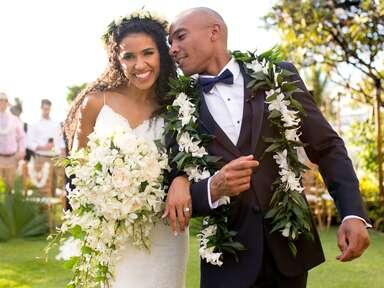 bride and groom at Hawaiian destination  wedding