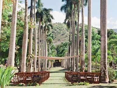 Destination wedding in Oahu, Hawaii