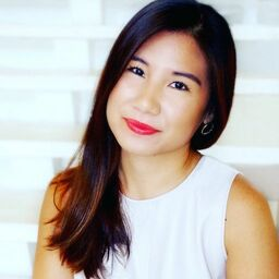 Esther Lee - Senior Editor, The Knot