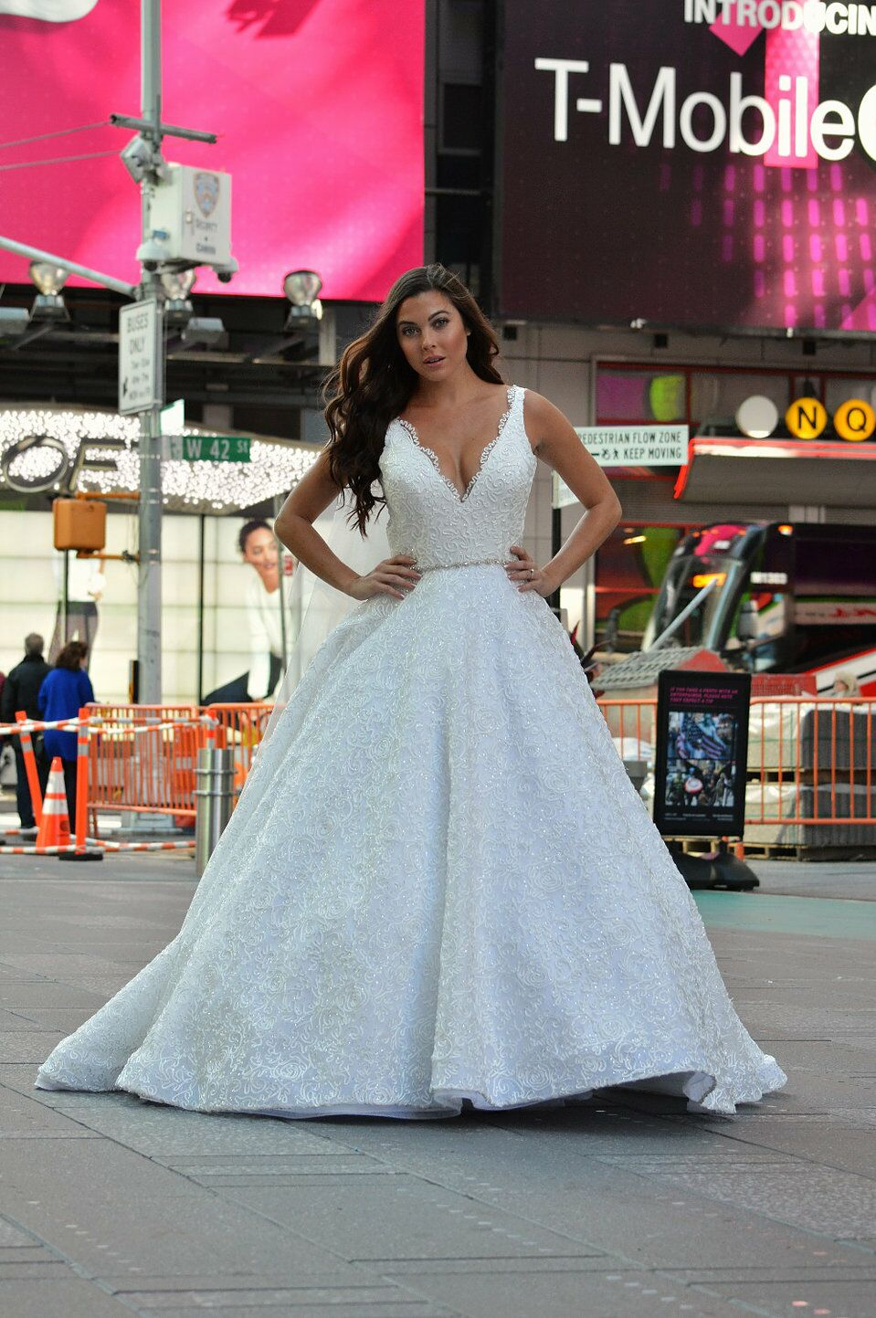 Amazing Wedding Gown Nyc Illustration - All Wedding Dresses ...