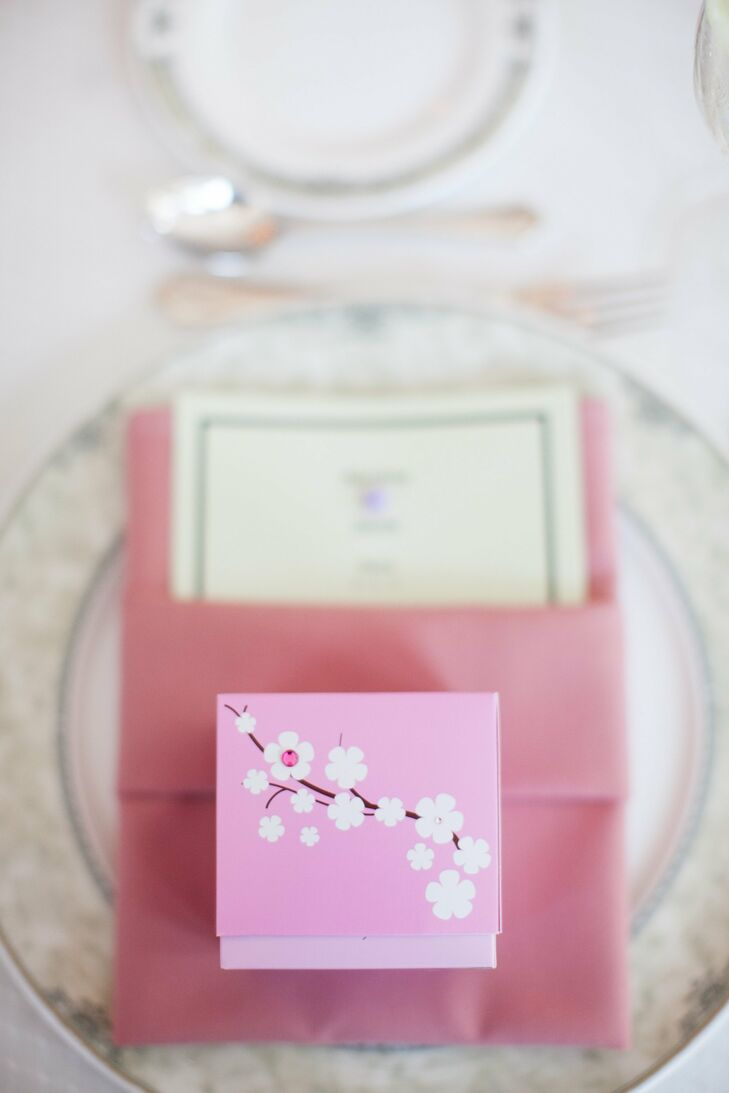 Pink Place Setting with Favor Box