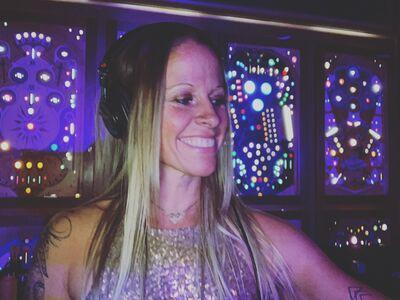 DJ Mandy Mac