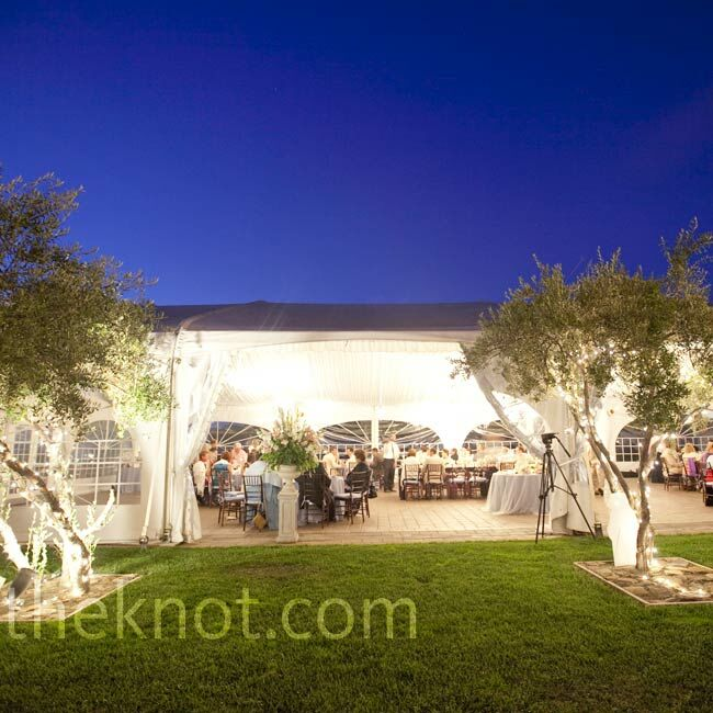 The sides of the tent were kept open so as not to obstruct the view, and the dance floor was set up outside on the lawn.