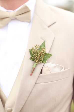 Simple Leaf Boutonniere