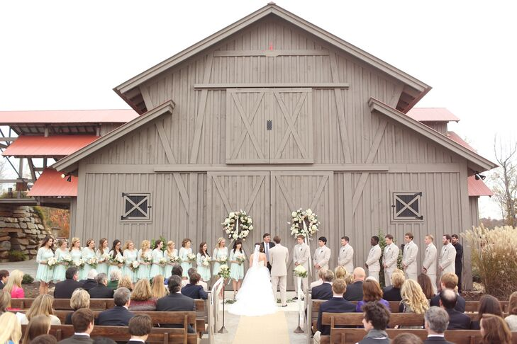 """I wanted our wedding to be simple, rustic, elegant and we definitely wanted to have an outdoor ceremony,"" says Ruthie."