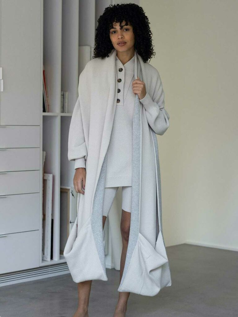 Oversized cotton wrap with pockets