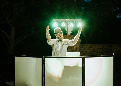 DJ Grapevine - Jonathan Kendall