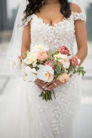 Elegant Bouquet with White Orchids and Pink Roses