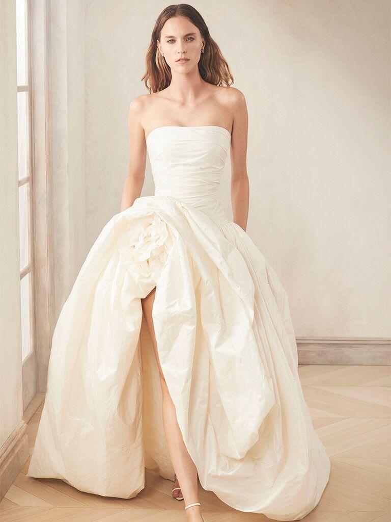 oscar de la renta ballgown strapless with slit