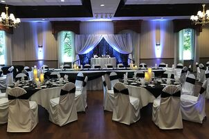 Wedding reception venues in milwaukee wi the knot davians catering events junglespirit Image collections
