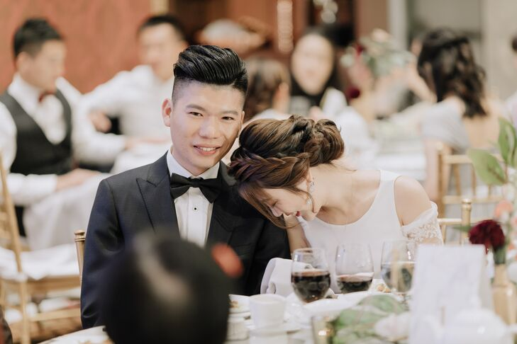 To begin their day, QiuNicole and Zeng Shan had a traditional Chinese tea ceremony and a Western ceremony at the historic Cecil Green Park House. Pro