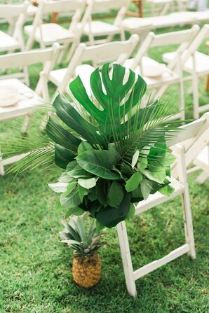 Tropical Aisle Decoration with Pineapple and Monstera Leaves