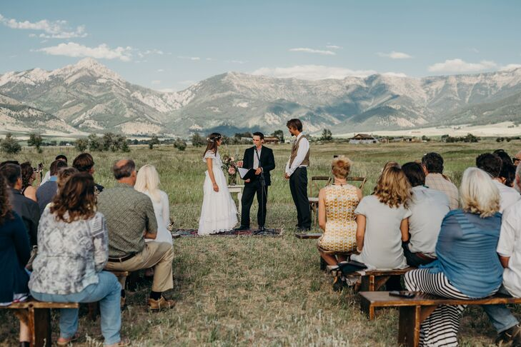 Casual Mountain Ceremony at Rathvinden Farm in Belgrade, Montana