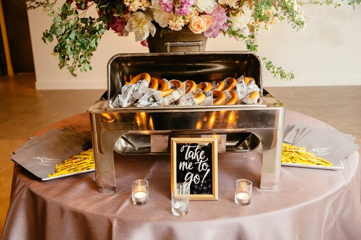 As a nod to their home in New York City, Kate and Jordan sent their guests off at the end of the night with freshly made New York pretzels wrapped in New York Times tissue paper.