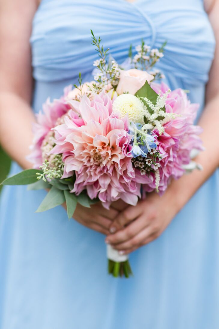 Bright Pink Dahlia Bridesmaid Bouquets