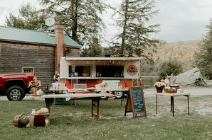 Casual Backyard Reception with Pizza Food Truck