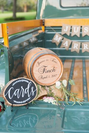 Vintage Truck Bed Card and Gift Table