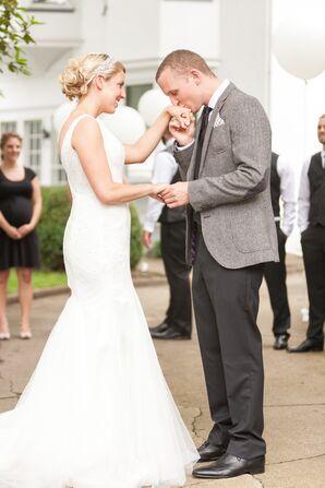 Trumpet-Style Silhouette Ivory Wedding Dress