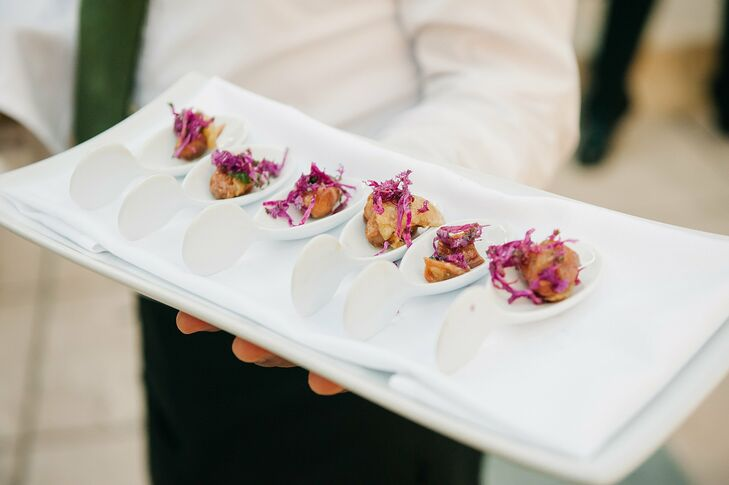 Cafe Pinot provided modern appetizers for guests during cocktail hour.