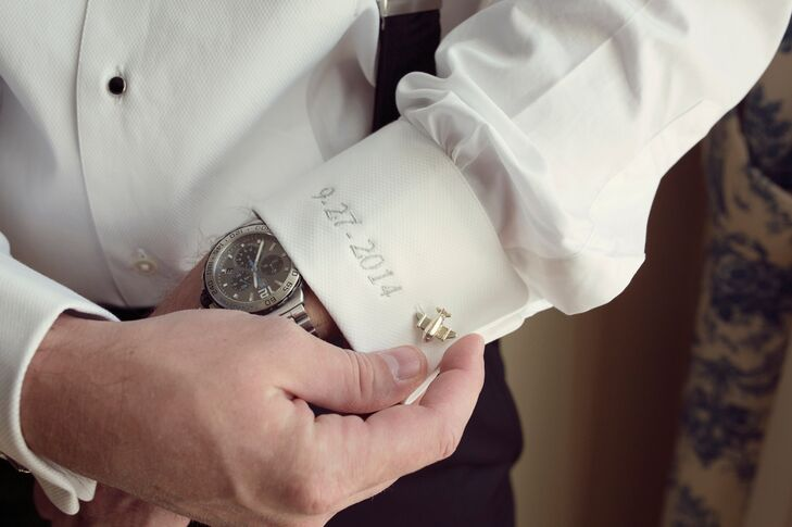 Scott had his tuxedo shirt embroidered with the wedding date for a special wedding keepsake. He accented the shirt with a unique pair of airplane-shaped cufflinks.