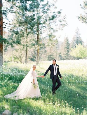 Simple, Elegant Outdoor Wedding in Nevada