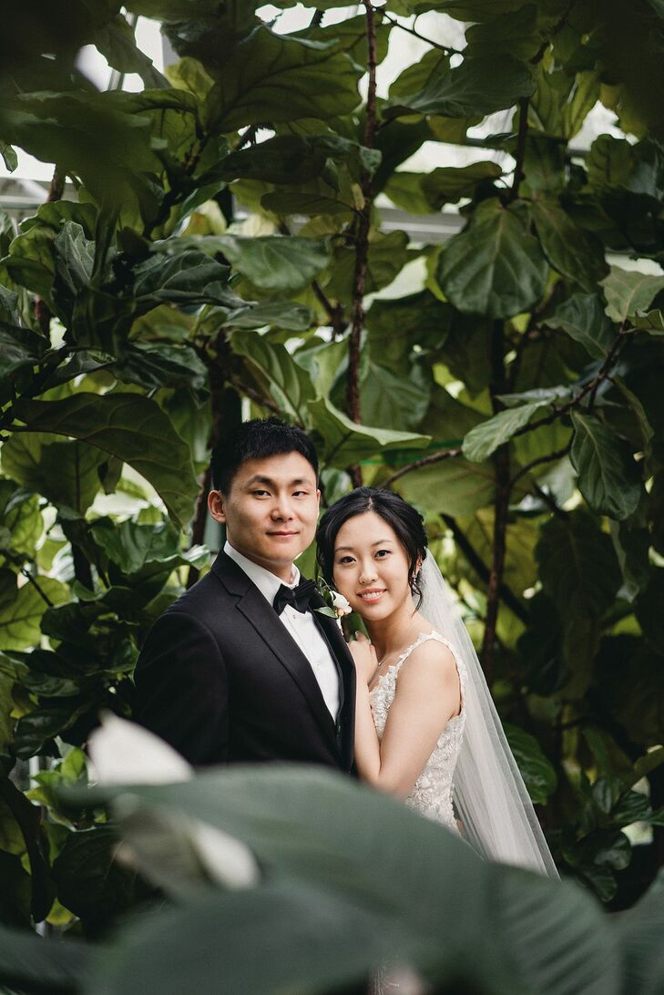 Bride and Groom Portraits at Planterra Conservatory in Detroit, Michigan