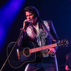 Bellevue, OH Elvis Impersonator | Walt Sanders