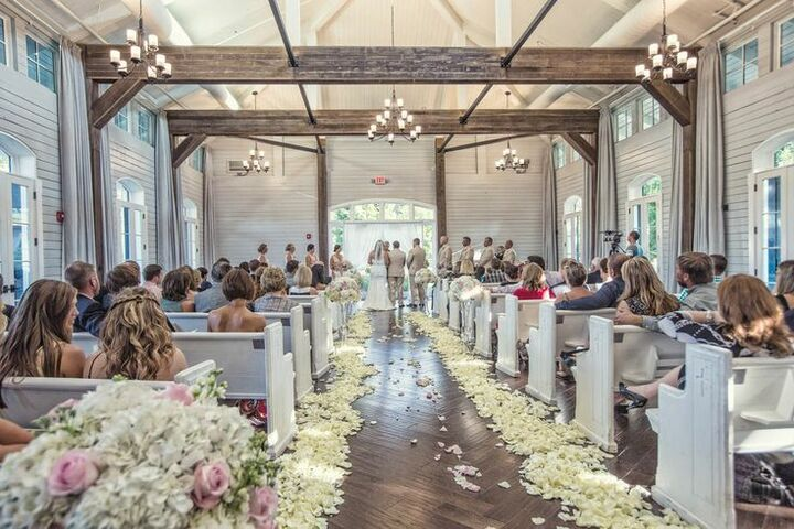 Cheap Wedding Ceremony And Reception Venues Mn: Foxhall Resort