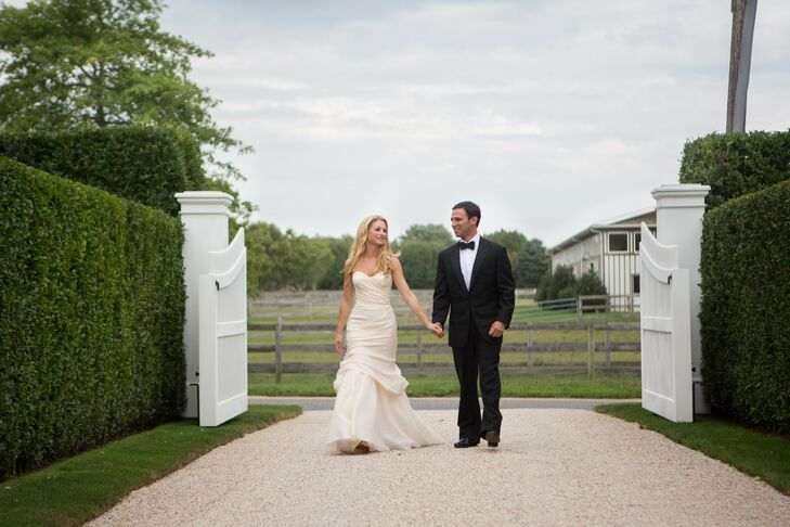 Nora and Michael wed on Ludlow Farm in Bridgehampton, NY at a simple, outdoors wedding. The ceremony was a modern take on a traditional Jewish ceremon