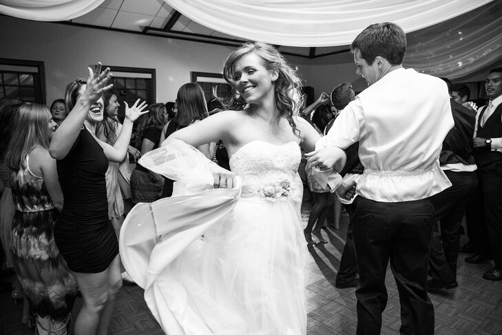 """The newlyweds danced to Ben Rector's """"Forever Like That"""" and then spent the rest of the evening on the dance floor."""