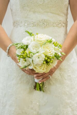 Traditional White Rose and Hypericum Berry Bouquet