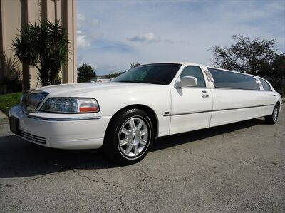 Bella Luxury Limousine