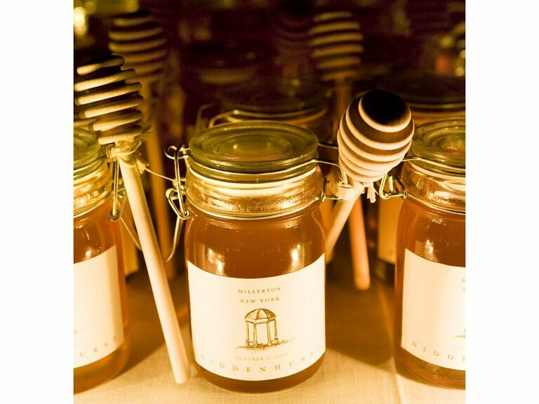 honey in jars wedding favor