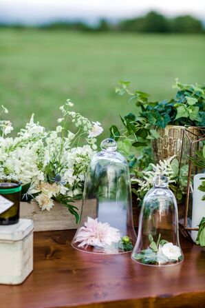 Rustic Centerpiece with Queen Anne's Lace, Ivy and Dahlia