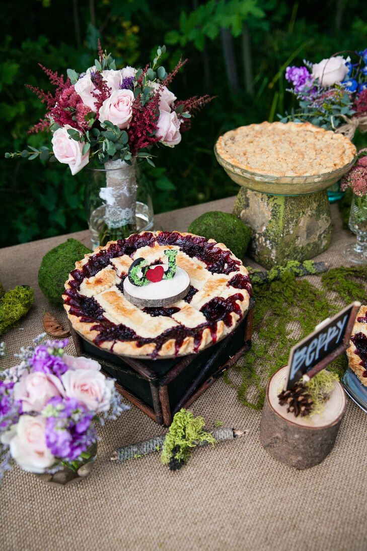 Fruit Pie With Rustic Topper