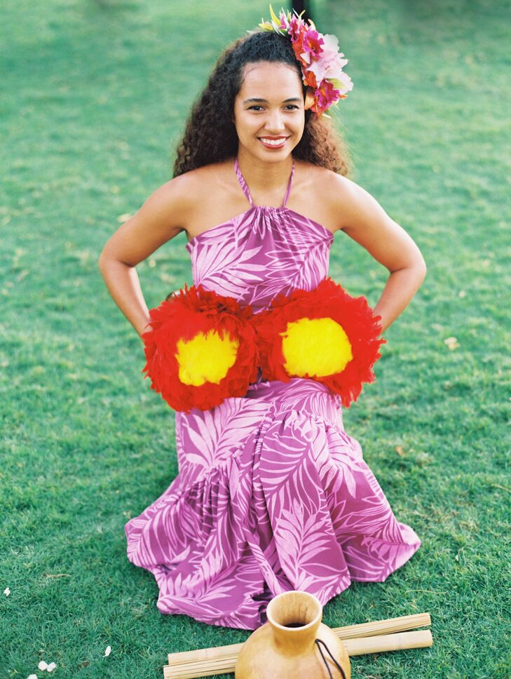 Hawaiian hula dancers welcomed guests to the outdoor reception at Sugarman Estate and taught a few traditional moves.
