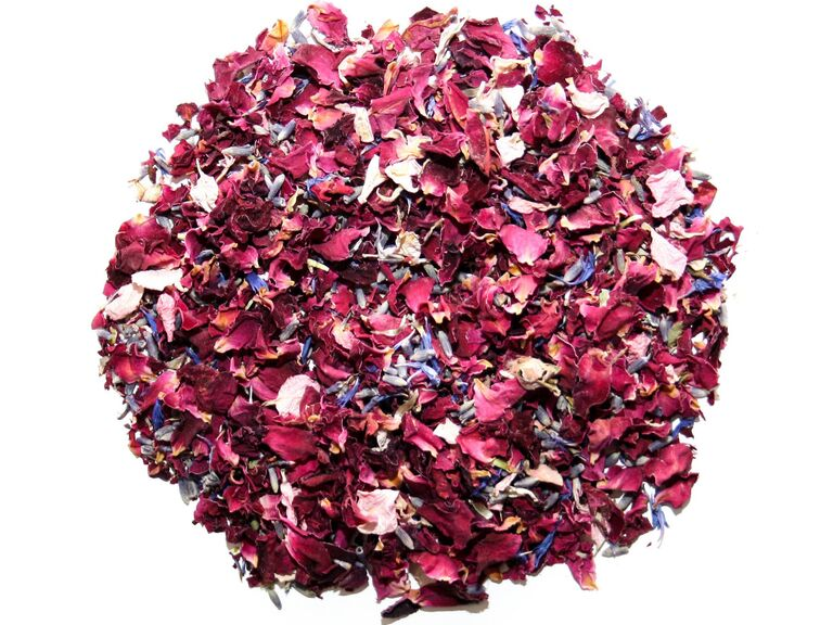 Backyard wedding ideas flower confetti