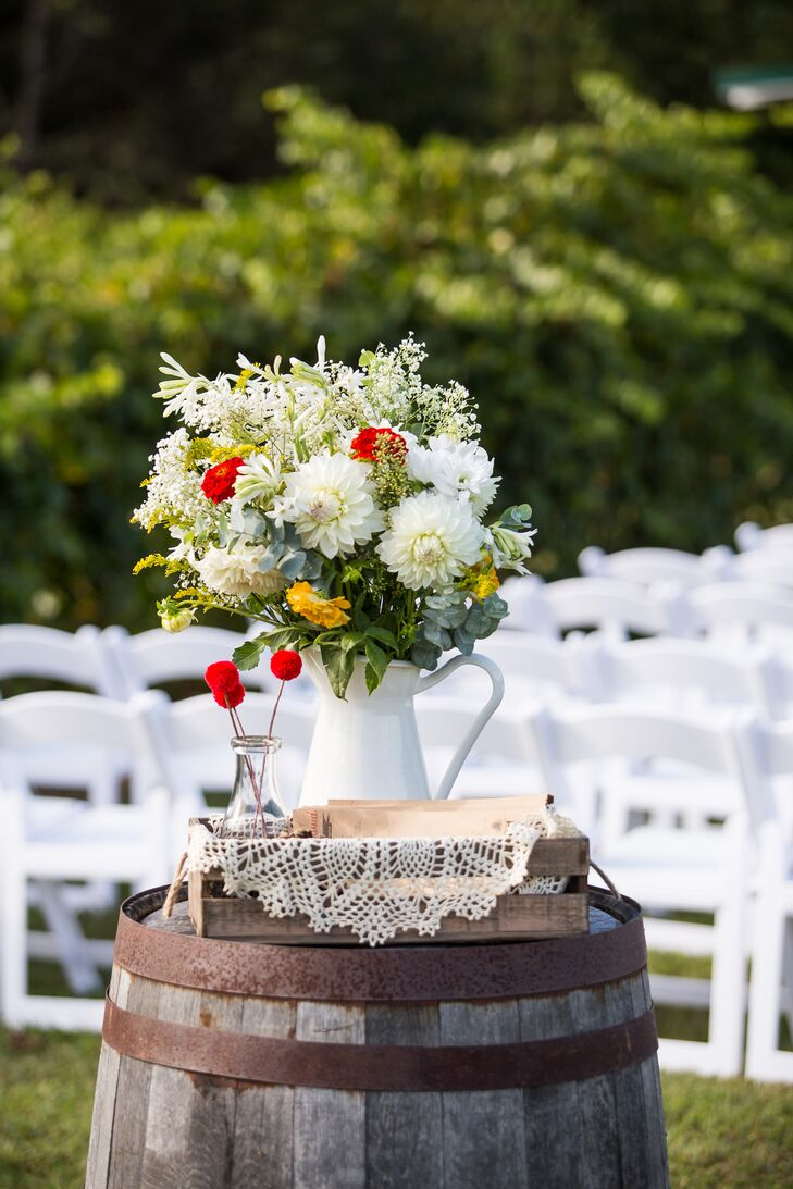 Rustic Fall Ceremony Decor