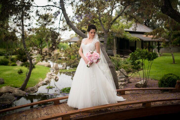 Elegant Ball Gown Wedding Dress