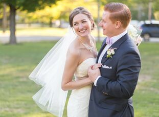 Kendra Smith (26 and a hotel event planning manager) and Greg Hartlein (29 and an investment banker) wanted their wedding to be