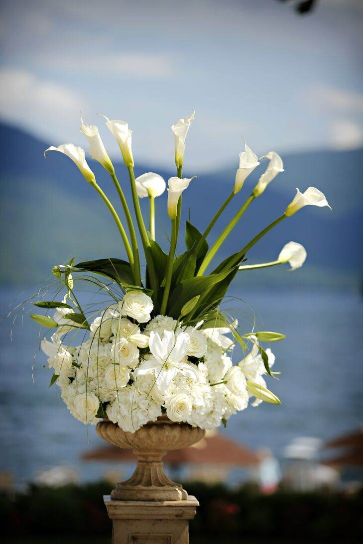Calla lilies were a major theme throughout Stephanie and Joseph's celebration.