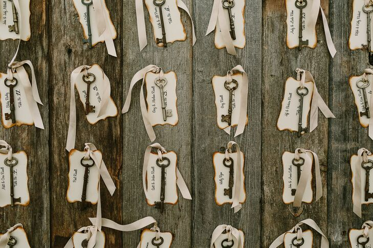 Small, antique keys were tied to the escort cards for a unique, vintage touch.