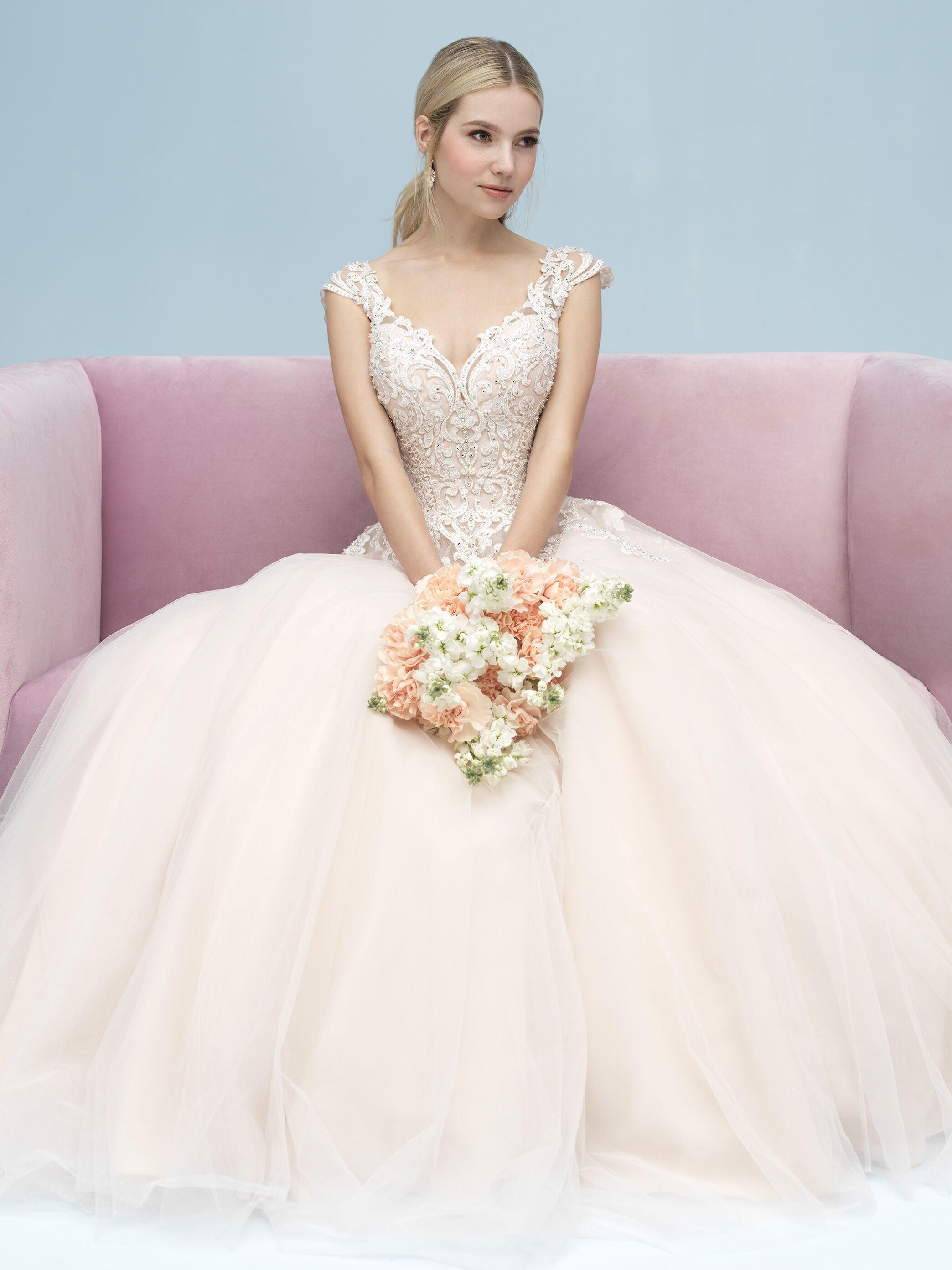 72a4779d7e Bridal Salons in Kansas City