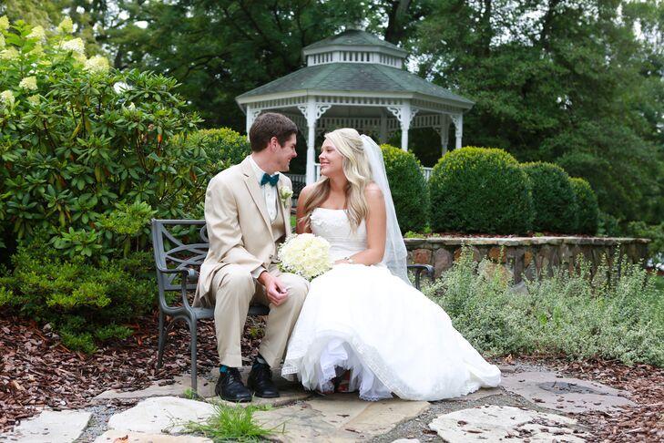 Martha Washington Inn Wedding Portrait