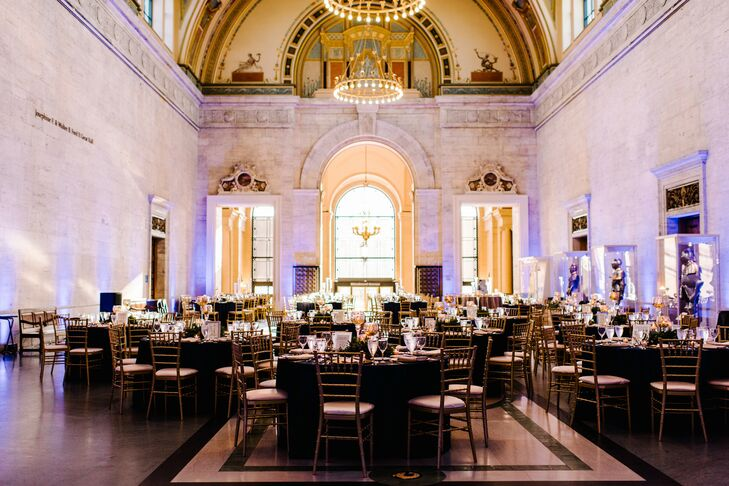 Elegant Dining Tables and Chiavari Chairs at the Detroit Institute of Arts